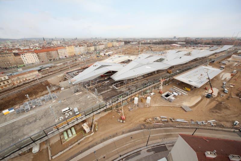 Construção da estação no dia em Viena imagens de stock