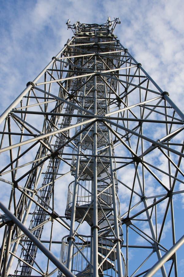 Construção das torres e dos transmissores imagem de stock