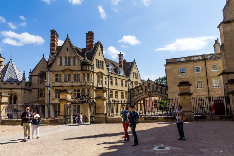 Construção de Clarendon em Oxford em um dia de verão bonito, Oxfordshire, Inglaterra, Reino Unido imagem de stock