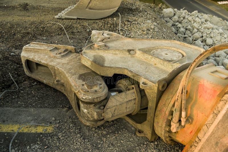 Construção de estradas da construção de ponte do canteiro de obras com hidráulica imagem de stock royalty free