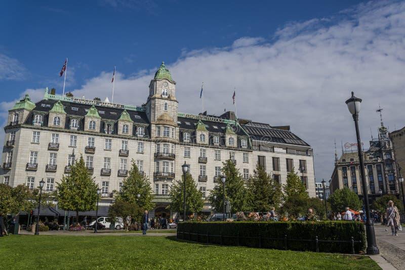 Construção de Grand Hotel, Oslo, Noruega imagens de stock royalty free