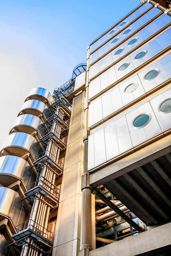 A construção de Lloyd moderna em Londres fotos de stock