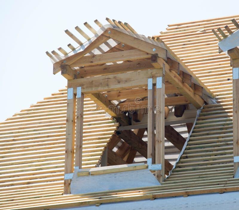 Construção de madeira do telhado foto de stock royalty free