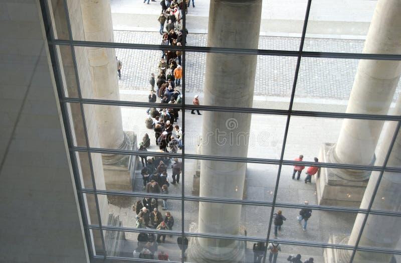 Download A Construção Do Governo De Berlim Do Reichstag Foto Editorial - Imagem de cultural, azul: 29827551