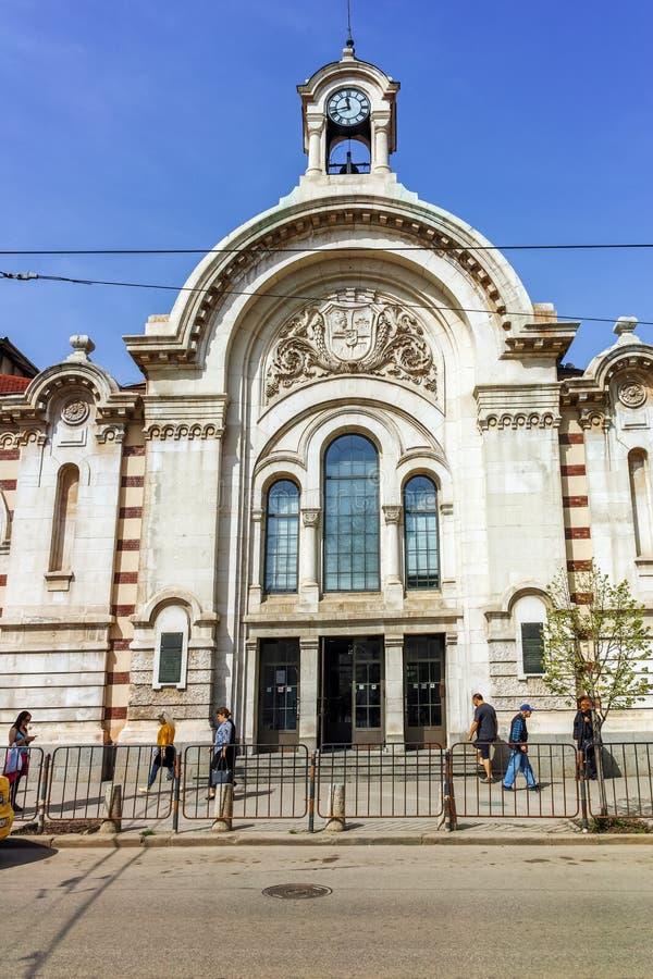 Construção de Sofia Market Hall central - arquitetura desde o início do século XX em Sófia fotos de stock royalty free