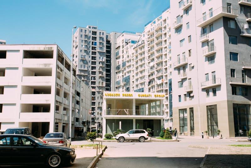 Construção de uma construção residencial do multi-andar moderno novo mim fotografia de stock