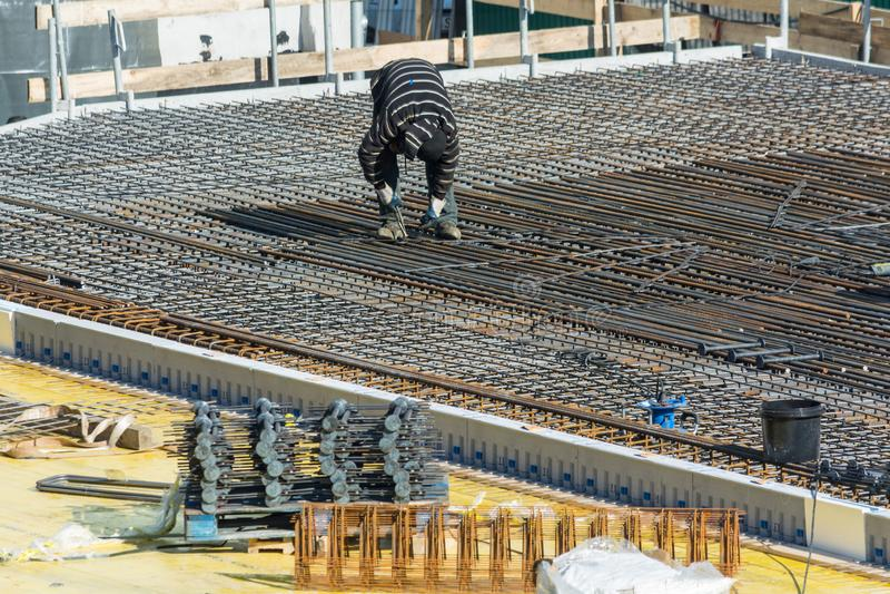 Construção de uma construção residencial e comercial em Velbert imagem de stock