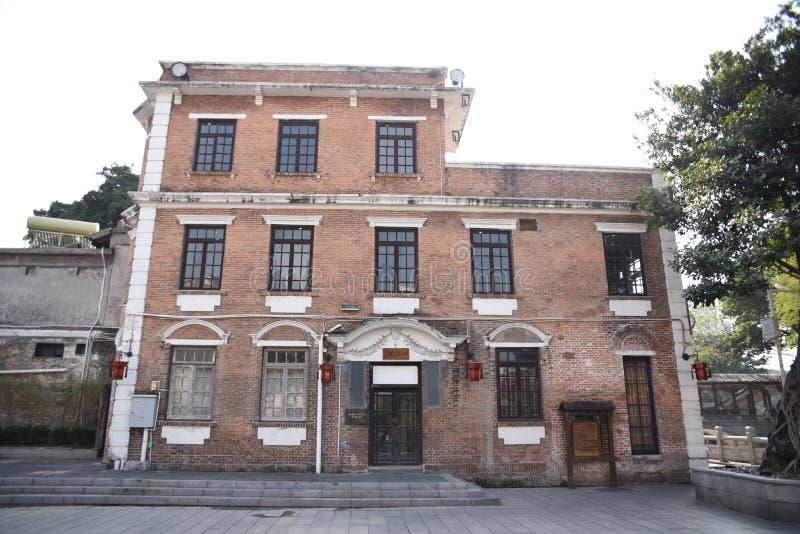 Construção de construção velha do estilo, estilo clássico do século XX imagens de stock royalty free