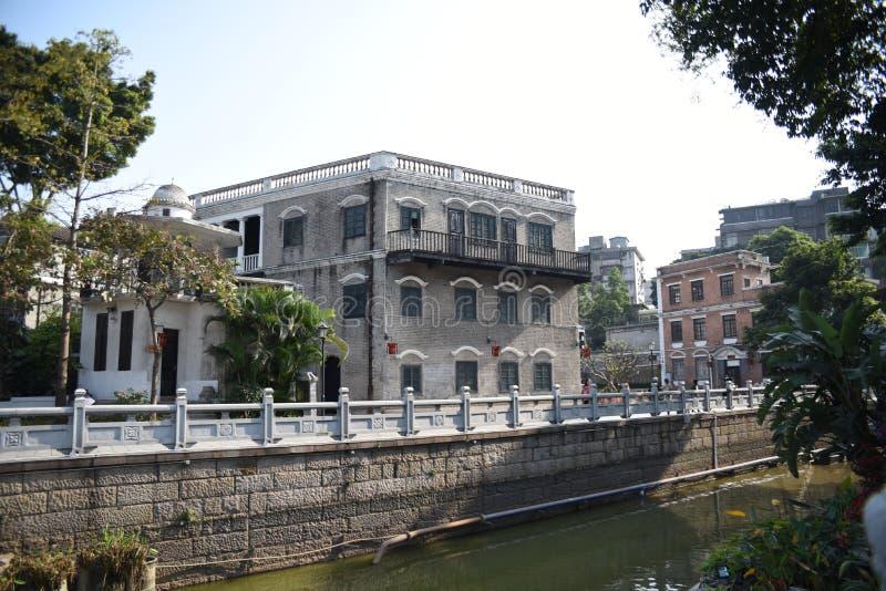 Construção de construção velha do estilo, estilo clássico do século XX imagem de stock royalty free
