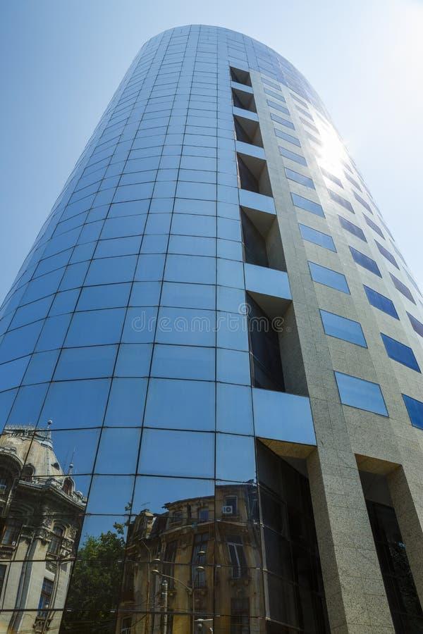 Construção de vidro moderna da torre imagem de stock royalty free