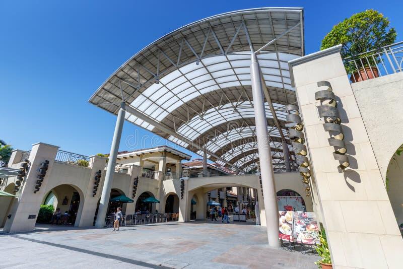 Construção do centro de cidade de Alabang na cidade de Manila imagem de stock royalty free
