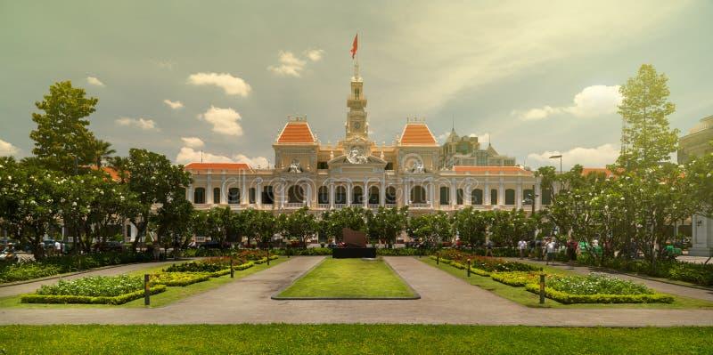 Construção do comitê de Ho Chi Minh e do pessoa fotografia de stock