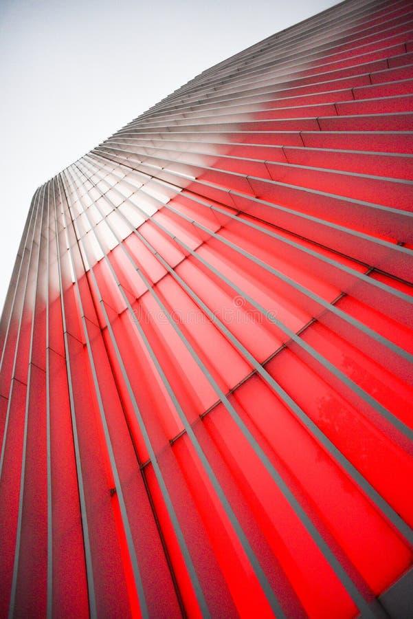A construção do destaque é vermelha no branco por ocasião dos 10 imagem de stock