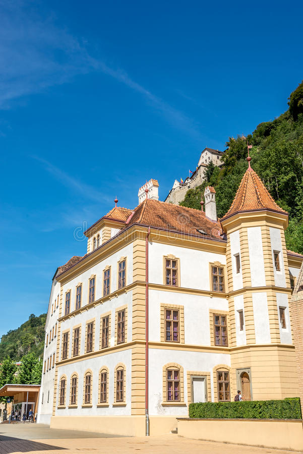 Construção do governo de Liechtenstein imagem de stock