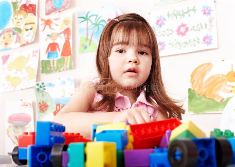 A construção do jogo de criança ajustou-se no quarto do jogo. fotografia de stock royalty free
