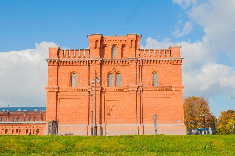Construção do museu histórico militar da artilharia, dos coordenadores e do corpo do sinal St Petersburg, Rússia imagem de stock royalty free