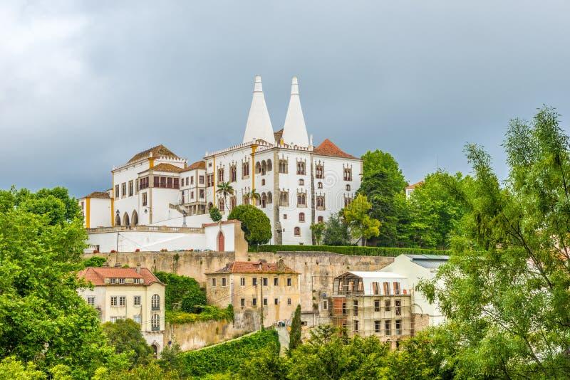 Construção do nacional do palácio em Sintra, Portugal foto de stock royalty free