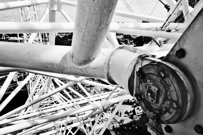Construção do olho de Londres, mecanismo como visto da cápsula Londres, Reino Unido imagens de stock royalty free