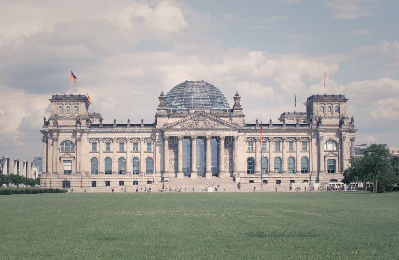 Construção do parlamento de Alemanha - chamou Reichstag fotos de stock royalty free
