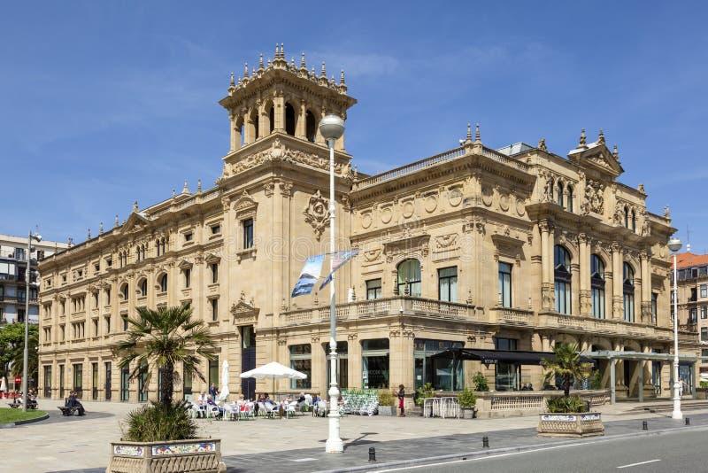 Construção do teatro em San Sebastian, Espanha imagens de stock royalty free