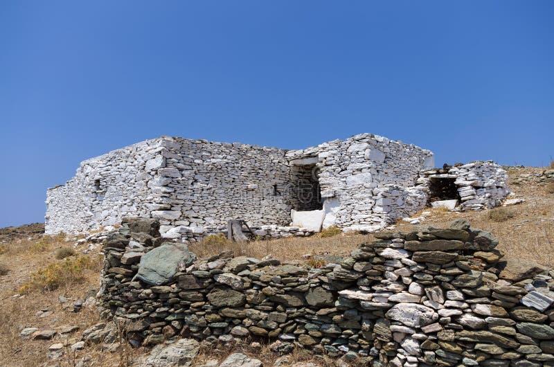 Construção drystone velha e tradicional na ilha de Kythnos, Cyclades, Grécia imagem de stock royalty free