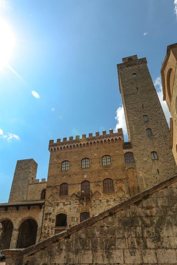 Construção em San Gimignano, Itália fotos de stock