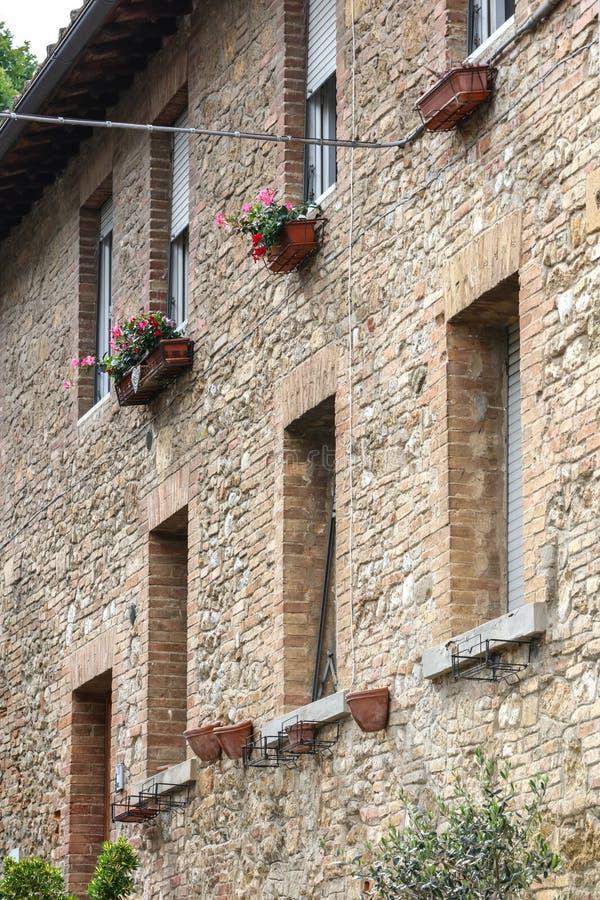 Construção em San Gimignano, Itália fotos de stock royalty free
