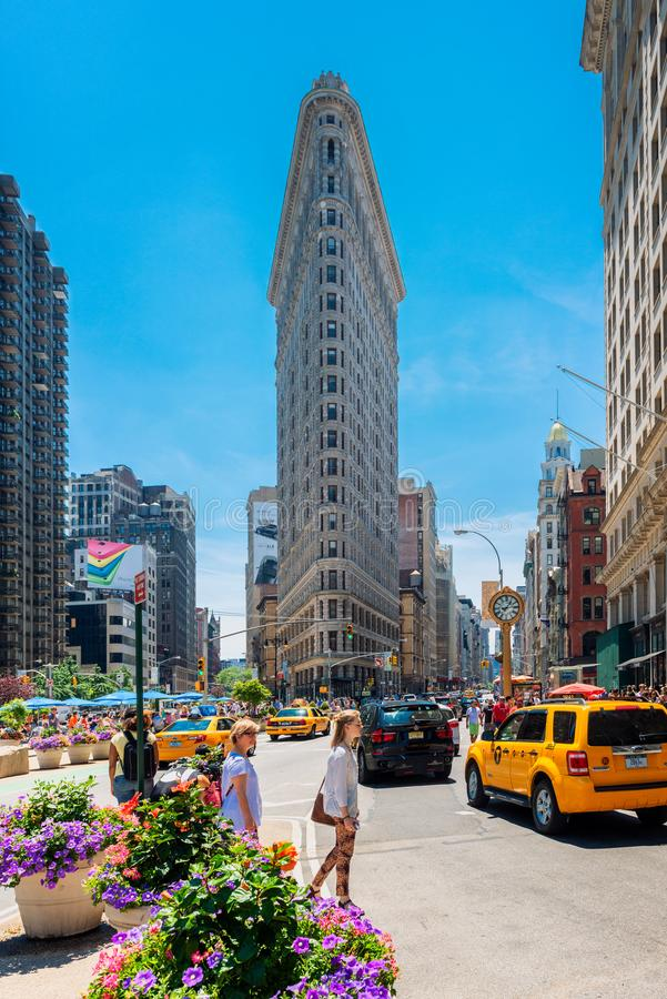 Construção famosa do ferro de passar roupa em New York City EUA imagem de stock