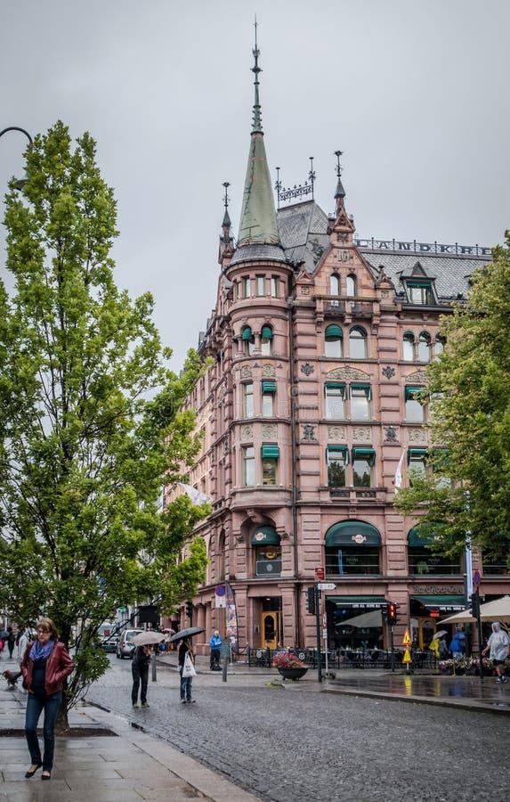 Construção histórica bonita na porta de Karl Johans foto de stock royalty free