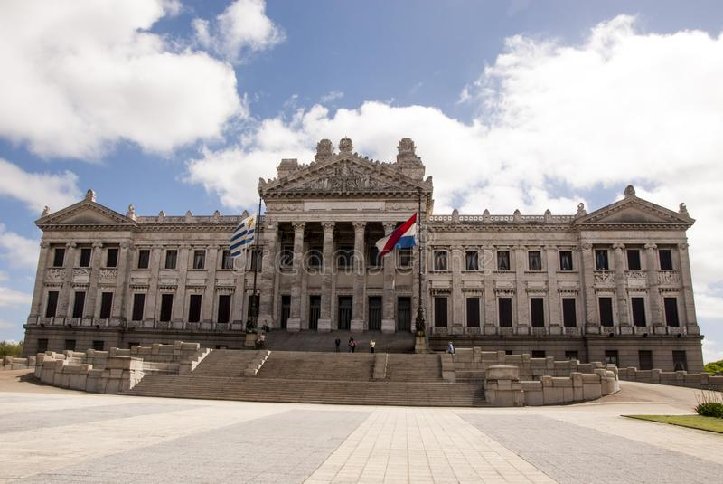 Construção legislativa do estilo neoclássico em Montevideo fotografia de stock royalty free