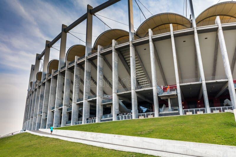 A construção moderna da arena nacional em Bucareste fotos de stock