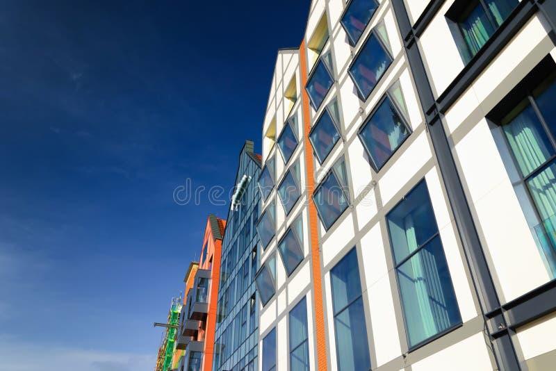 Construção moderna de vidro em Gdansk, Polônia fotografia de stock royalty free