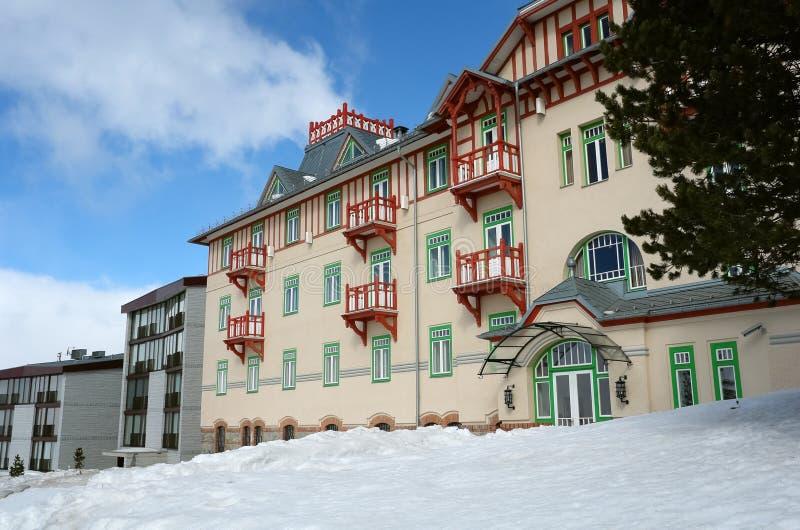 Construção moderna do hotel. foto de stock royalty free