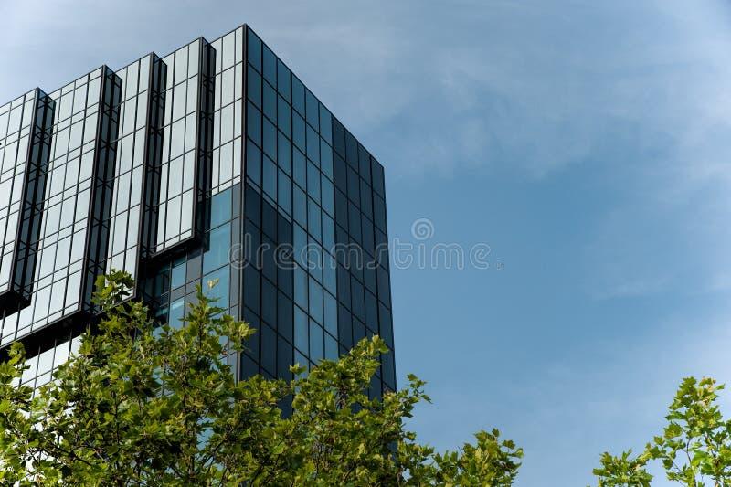 Construção moderna do hotel foto de stock royalty free