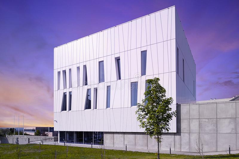 Construção moderna em Hungria, CPE foto de stock royalty free