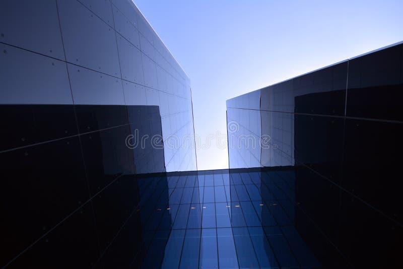 Construção moderna no vidro fotografia de stock royalty free