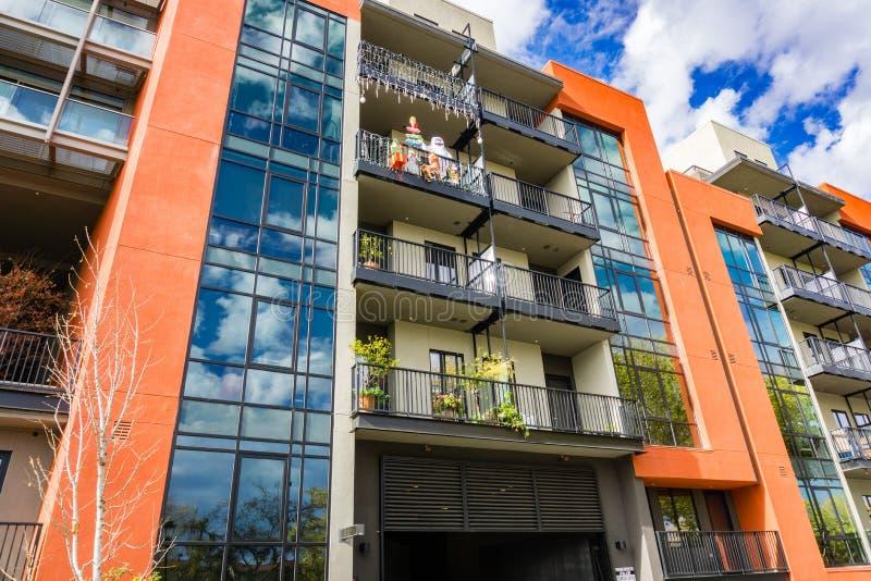 Construção moderna plurifamiliar residencial, San Jose, Califórnia imagens de stock