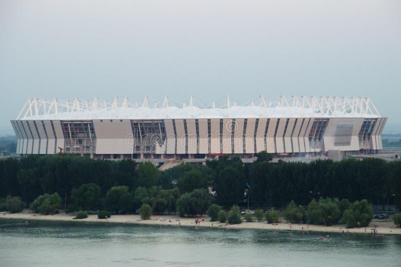 Construção 2018 mundial do estádio Postov-em-Don, o 7 de fevereiro de 2017 O banco esquerdo do Don River fotos de stock