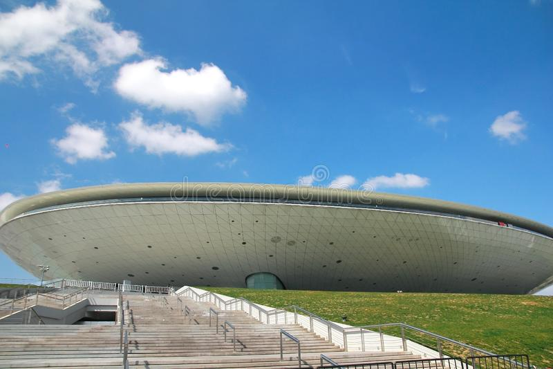 A construção na expo do mundo de Shanghai é o local o maior da feira de mundo situado em shanghai, China fotos de stock