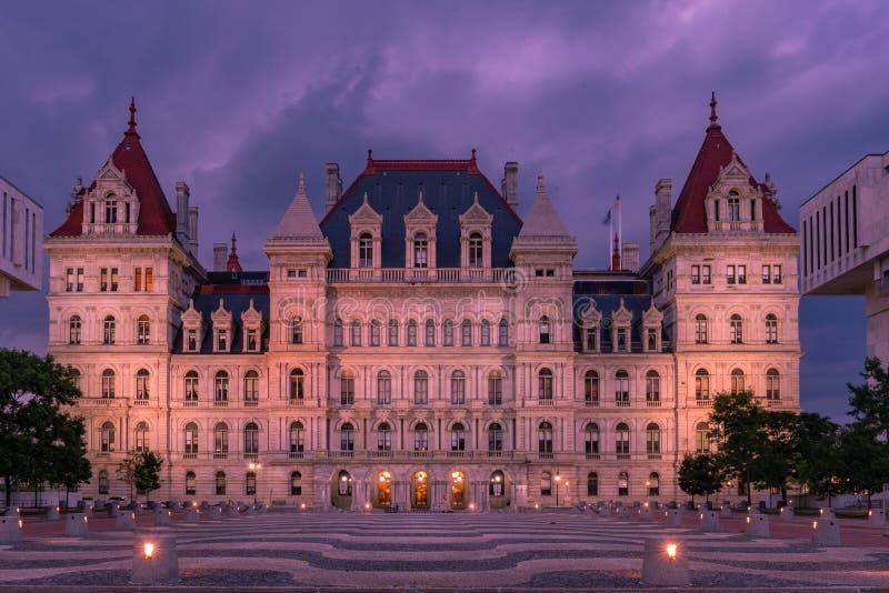 Construção na noite, Albany NY do Capitólio dos Estados de Nova Iorque imagens de stock royalty free