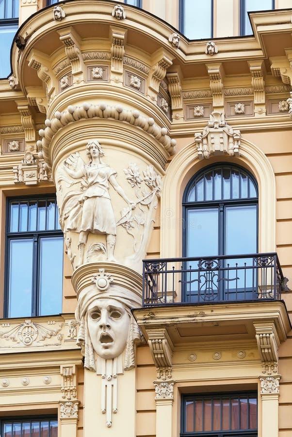A construção no estilo de Art Nouveau, Riga foto de stock royalty free