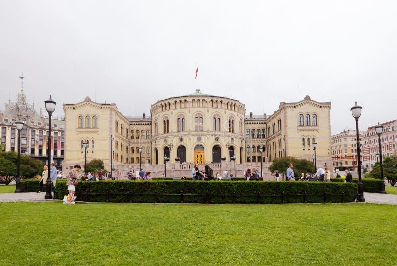 Construção norueguesa do parlament imagens de stock