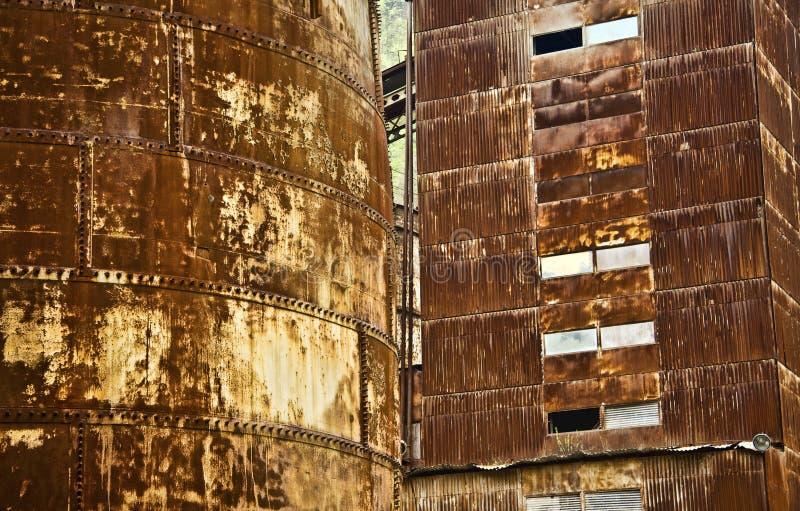 Construção oxidada industrial do metal fotografia de stock royalty free