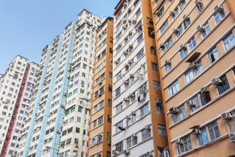 Construção residencial aglomerada na cidade de Hong Kong imagem de stock royalty free