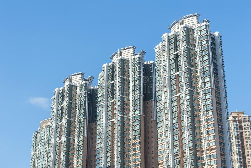 Construção residencial da elevação alta na cidade de Hong Kong imagem de stock