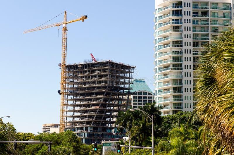 construção sob a construção em Miami fotografia de stock