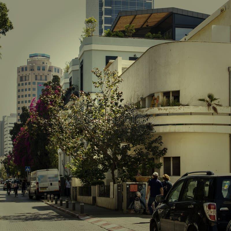 Construção velha do Bauhaus em Tel Aviv israel Instagram denominou a imagem imagens de stock