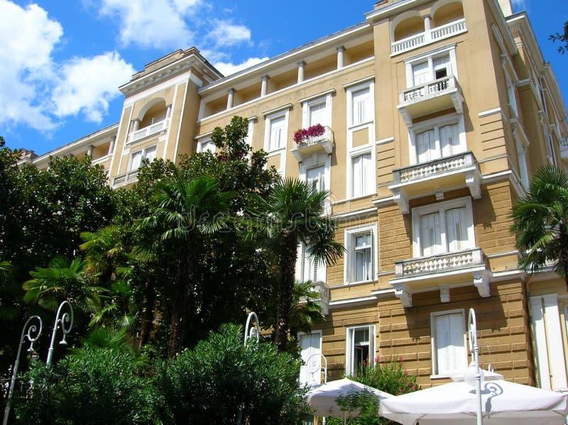 Construção velha em Opatija, arquitetura da separação imagem de stock royalty free