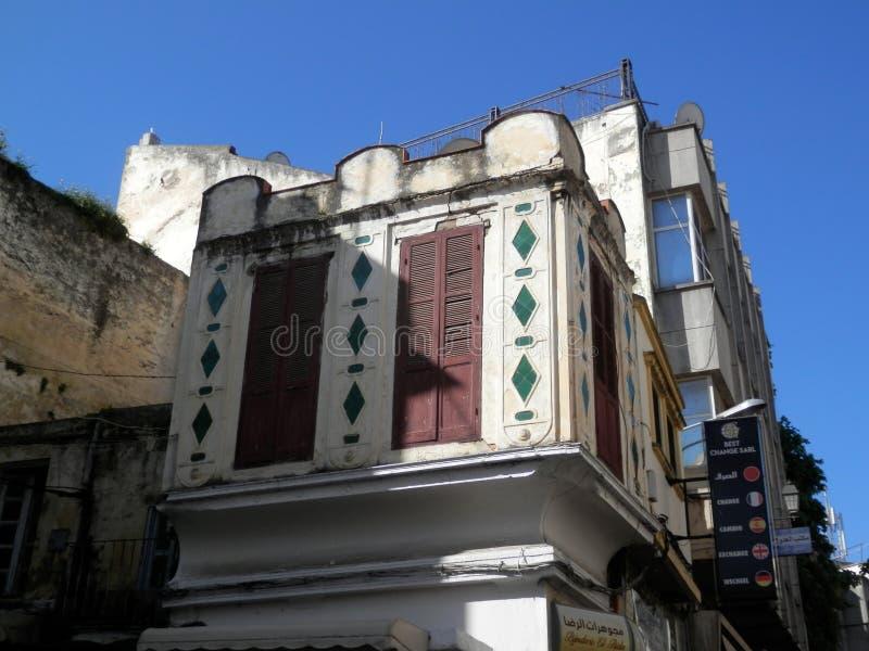 Construção velha em Tânger, Marrocos imagens de stock