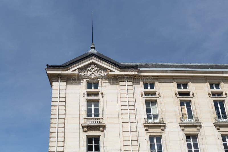 Construção viva em Paris imagens de stock
